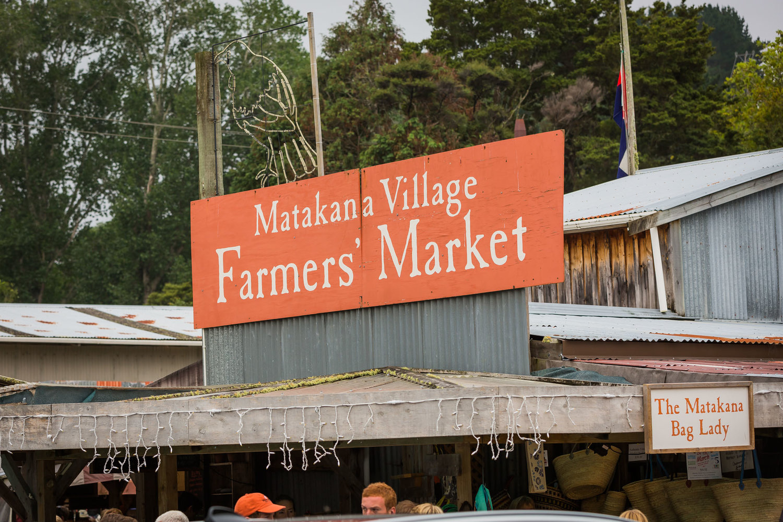 Matakana farmers markets sign